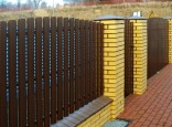 Забор из евроштакетника с кирпичными столбами. Установка под ключ.