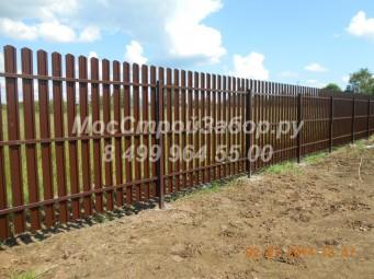 Забор из металлоштакетника с двухсторонним покрытием. Цена от 1136 руб/мп