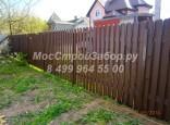Деревянный забор из штакетника на металлических столбах по цена от 950 р/мп