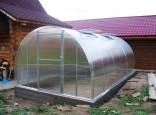 Теплица из поликарбоната на фундаменте. Цена 45000 рублей. Размер 3х6м.